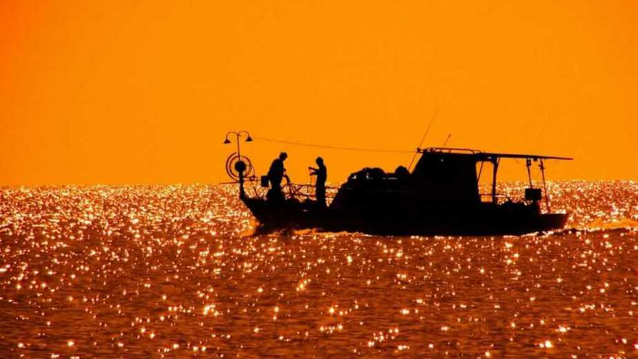 preparing for night fishing