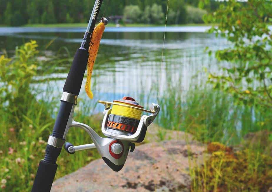 Spinning reel and rod combo